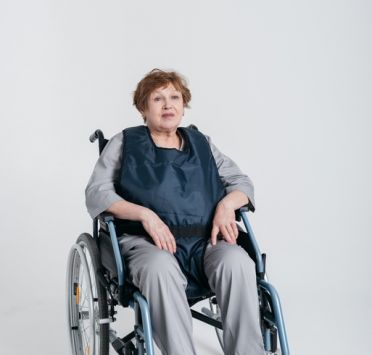 Составной фиксирующий жилет для инвалидного кресла. Изображение №1