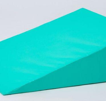 Подушка клиновидная, тк. Интерлок ПВХ 700х600х150- 50 мм. Изображение №1